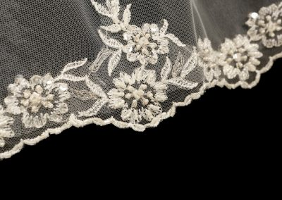 Veils-Tiaras-Accessories-at-Pink-Confetti