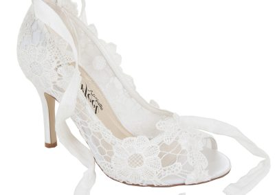 Violet Ivory Lace at Pink Confetti