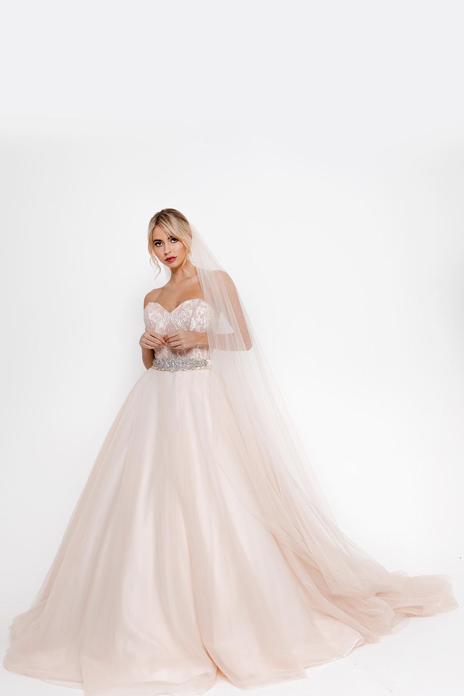 Ti Amo with veil Pink Confetti